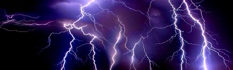 Cicatrices de descargas eléctricas… Por todas partes
