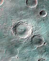Cráter escalonado en Marte